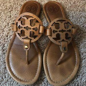 Tory Burch Miller Flip Flops Sandals Size 7.5 Tan